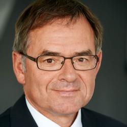 Dr. Gregor Breucker