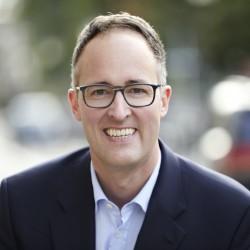 Dr. Ralf Suhr