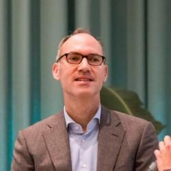 Dr. Bert Vrijhoef