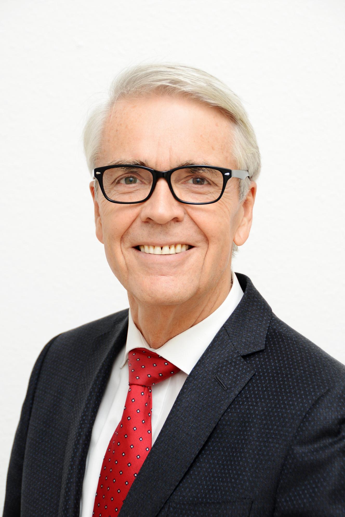 Dr. Manfred Stegger