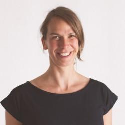 Dr. Julia Schlicht